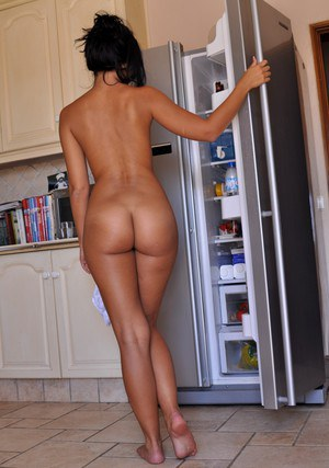 Naked Girls In The Kitchen