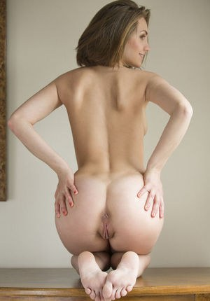 Naked Girls On Their Knees