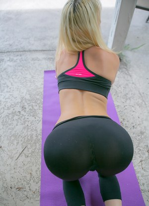 Yoga nude pants in girlfriend
