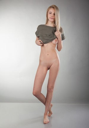 tall chubby blonde naked