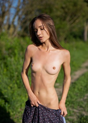 Naked Skinny Girls