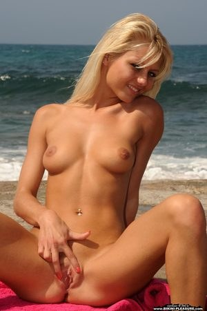 Naked Shaved Girls